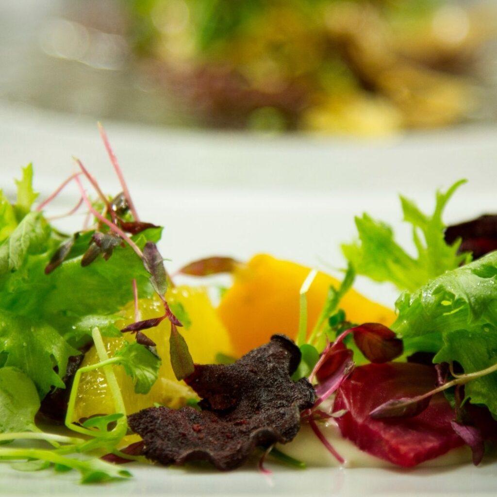 Raikas salaatti ravintola Frejan ystävänpäiväbrunssilla 14.2.2021 Espoossa